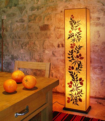 Φωτιστικό δαπέδου με φύλλα πορτοκαλί