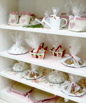 Αρτοποιείο διακόσμηση προϊόντα σε ράφια