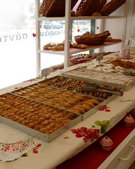Αρτοποιείο διαμόρφωση διακόσμηση βιτρίνας