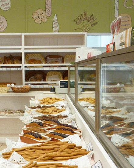 Bakery interior decoration