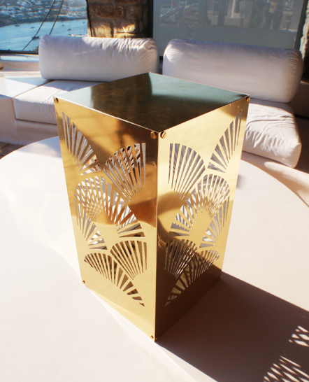 Decorative gold mirror candleholder