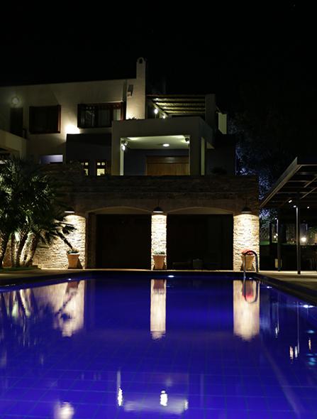 Εξωτερικός φωτισμός πισίνας