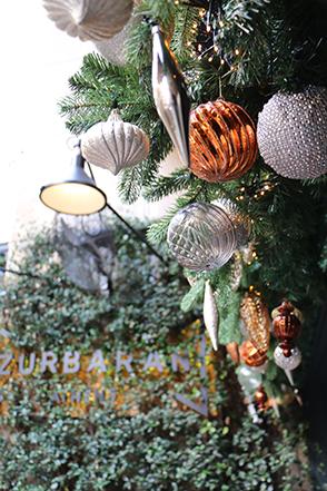 Χριστουγεννιάτικα στολίδια στο Zurbaran Athens