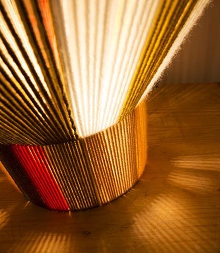 Χρωματιστό φωτιστικό επιτραπέζιο